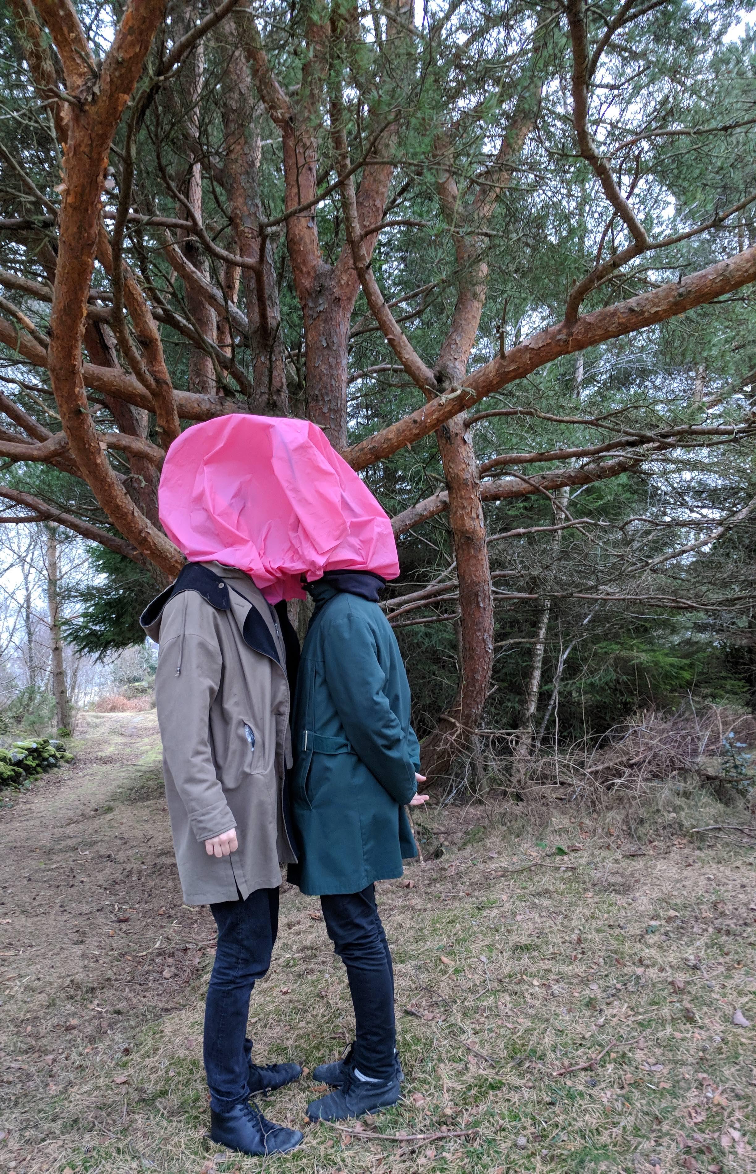 Performance Art Bergen med kunstnerne Anne Marthe E. Rygg, Walk of shame, Else Karin Tysse Bysheim – PAB lokal – Barnas kulturhelg og kulturnatt – Det vennlige møtet
